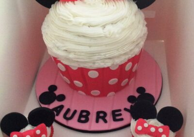Minnie Mouse Cupcake Birthday Cake